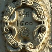 Stenay (Meuse) Un médaillon sur une maison