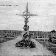 Suippes 51 la croix du cimetiere militaire cpa