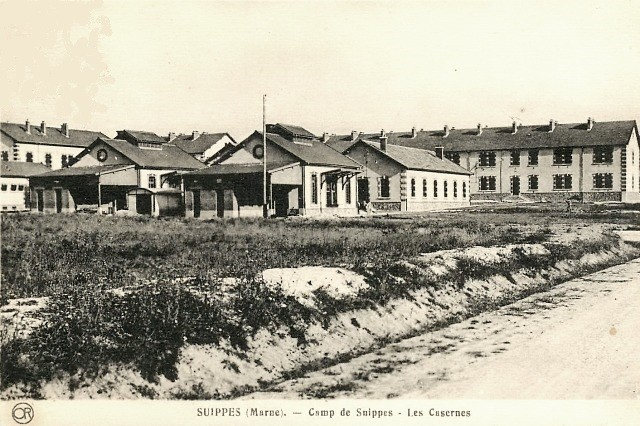 Suippes 51 le camp militaire cpa
