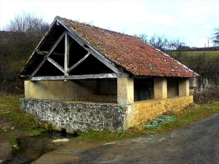 Ternant (Nièvre) Hiry, Le lavoir