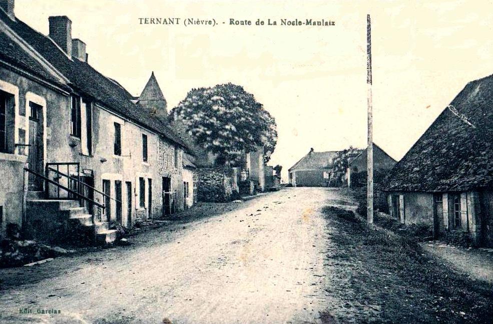 Ternant (Nièvre) La route de Nocle-Maulaix CPA