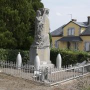 Ternant (Nièvre) Le Monument aux morts