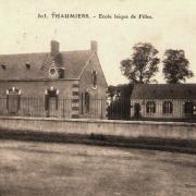 Thaumiers (18) L'école de Filles CPA