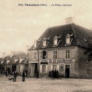 Thaumiers (18) L'Hôtel de la Couronne CPA