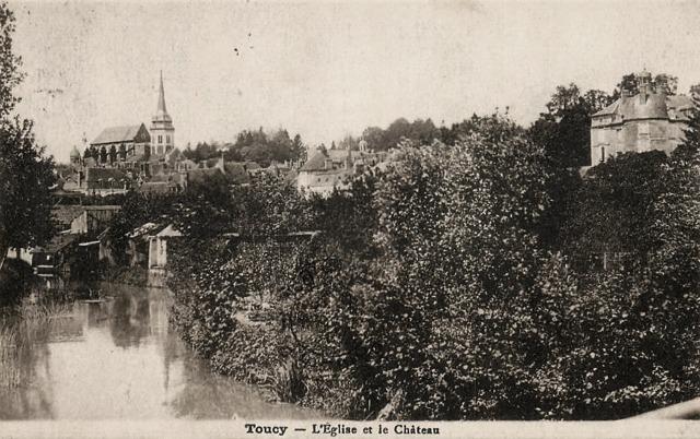 Toucy (89) L'église Saint-Pierre et le château CPA