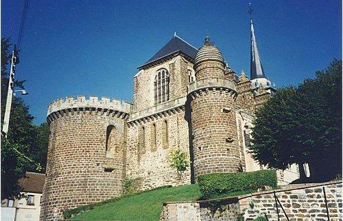 Toucy (89) L'église Saint-Pierre