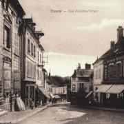 Toucy (89) La rue Philippe Verger CPA