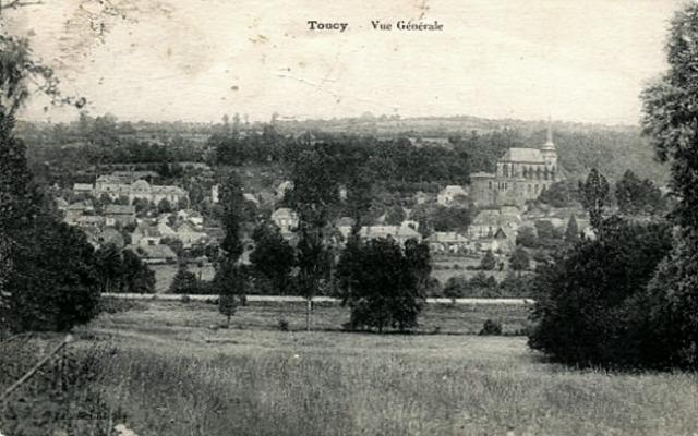 Toucy (89) Vue générale CPA