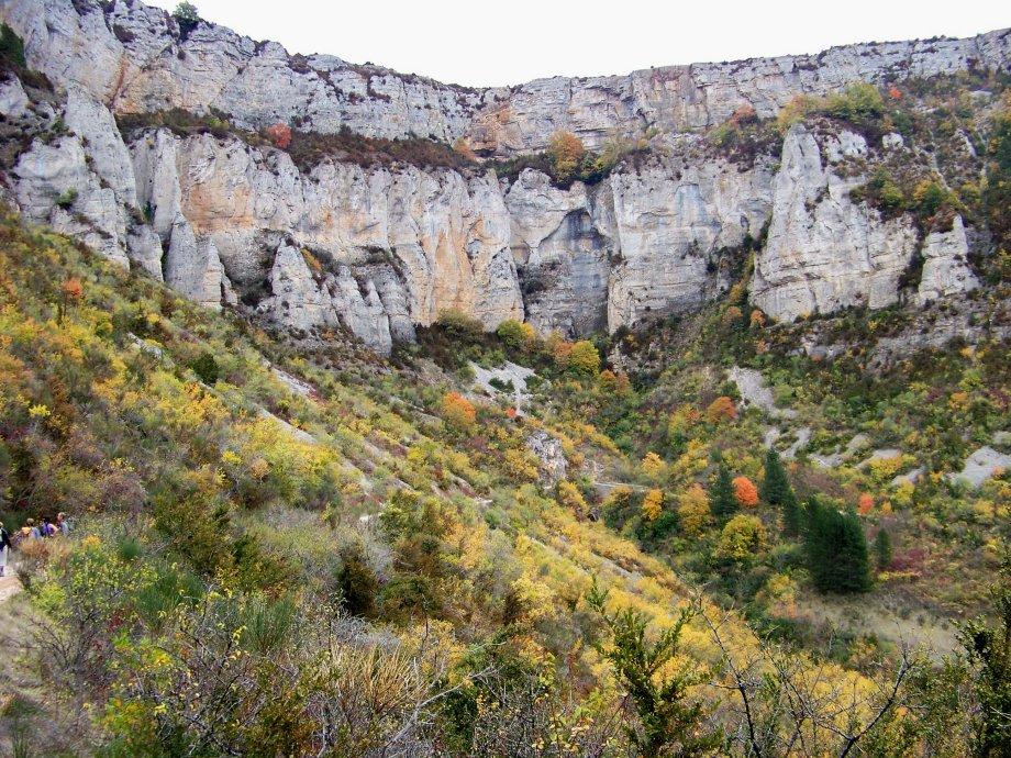 Tournemire (Aveyron) La falaise Sud du cirque