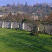 Tours (37) Abbaye de Marmoutiers, mur d'enceinte