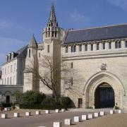 Tours (37) Abbaye de Marmoutiers, portail de la crosse