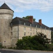 Tours (37) Château