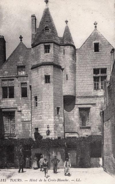 Tours (37) Hôtel de la Croix Blanche CPA