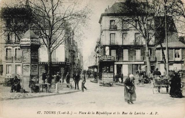 Tours (37) Place de la République CPA