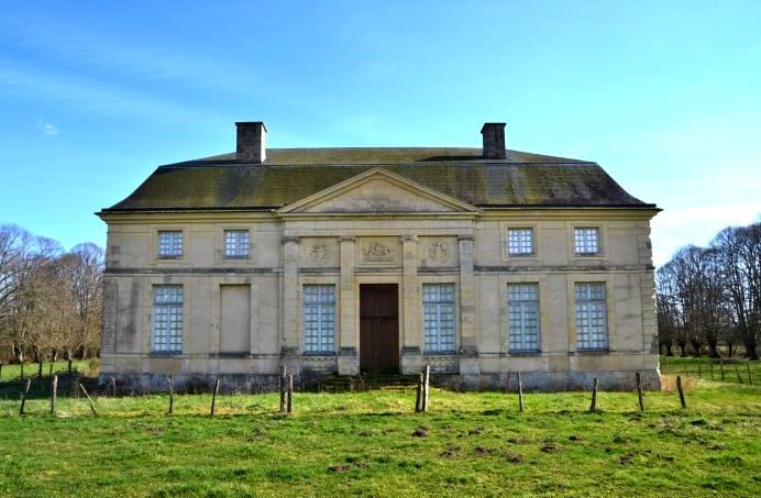 Urzy (Nièvre) Le château des Eveques