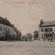 Vandenesse (Nièvre) L'avenue de la Gare CPA