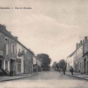 Vandenesse (Nièvre) La rue des Moulins CPA