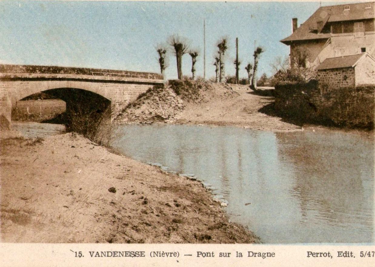 Vandenesse (Nièvre) Le pont de la Dragne CPA