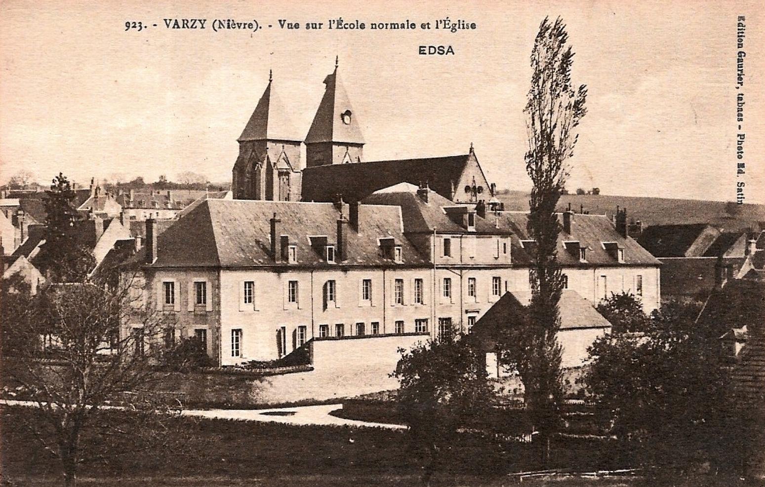 Varzy (Nièvre) L'école Normale et l'église Saint Pierre CPA