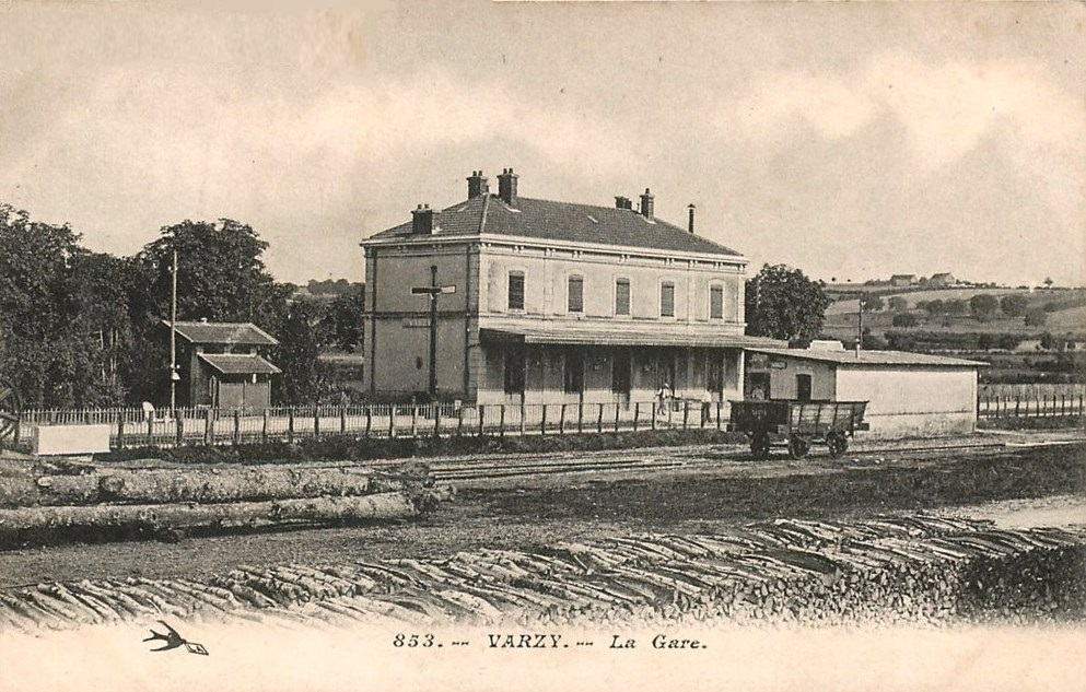 Varzy (Nièvre) La Gare CPA