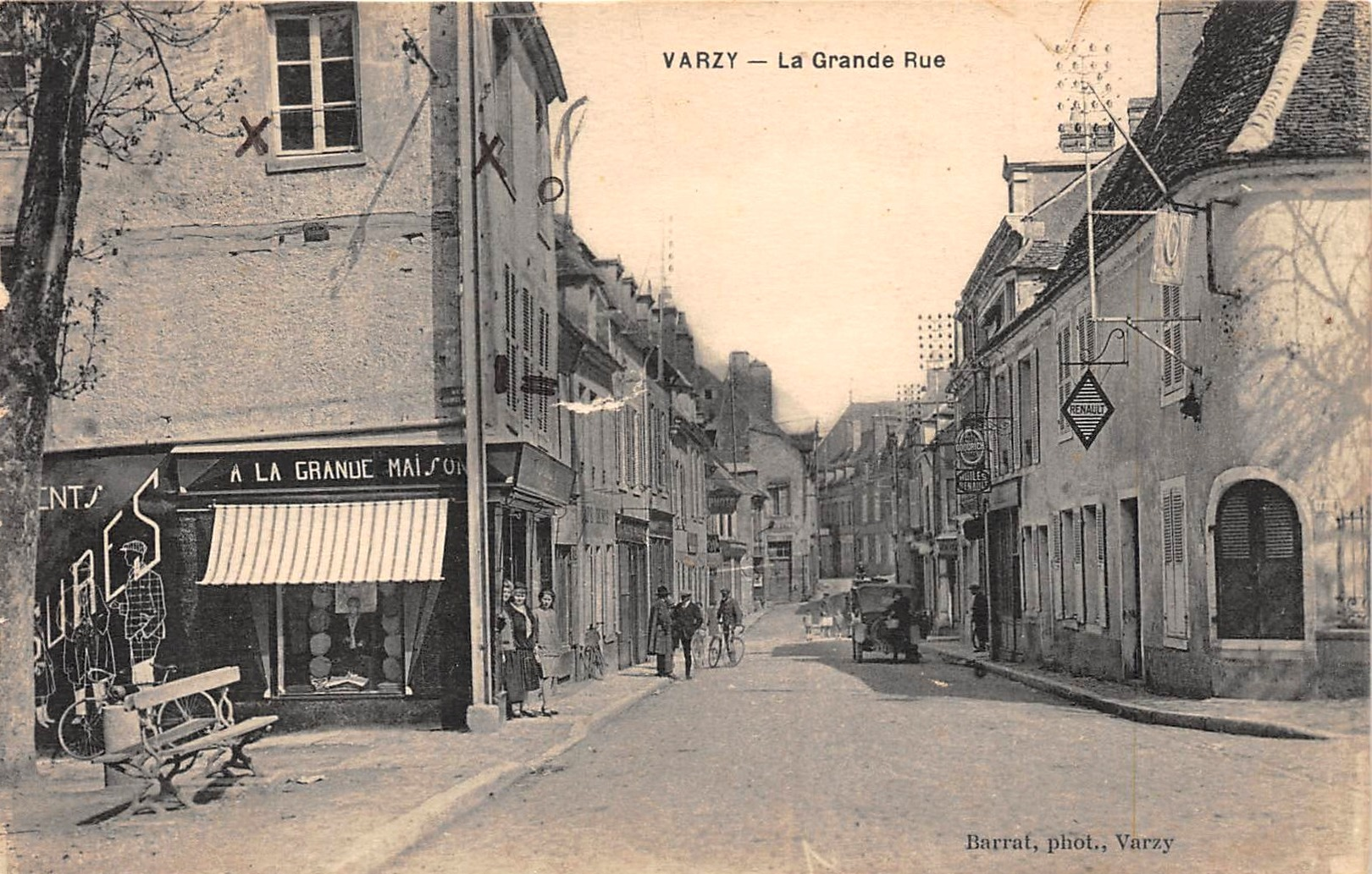 Varzy (Nièvre) La Grande Rue CPA