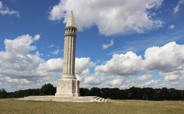 Vaudemont 54 le monument à Maurice Barres