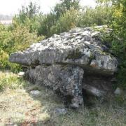 Versols-et-Lapeyre (Aveyron) Hermilix, le dolmen