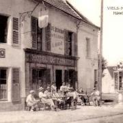 Vieils-Maisons (Aisne) CPA Hôtel du Lion d'or