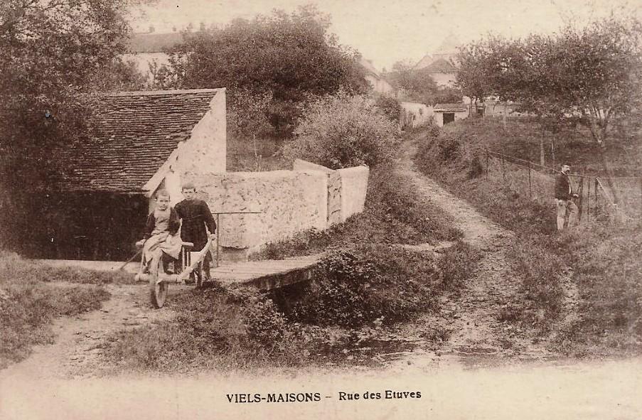 Vieils-Maisons (Aisne) CPA rue des Etuves