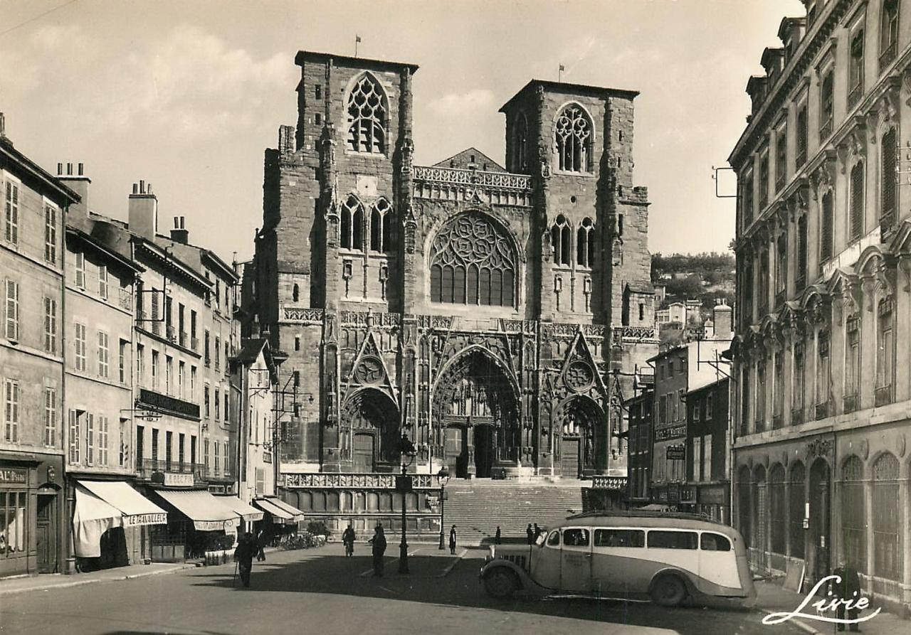 Vienne (Isère) La cathédrale Saint-Maurice CPA