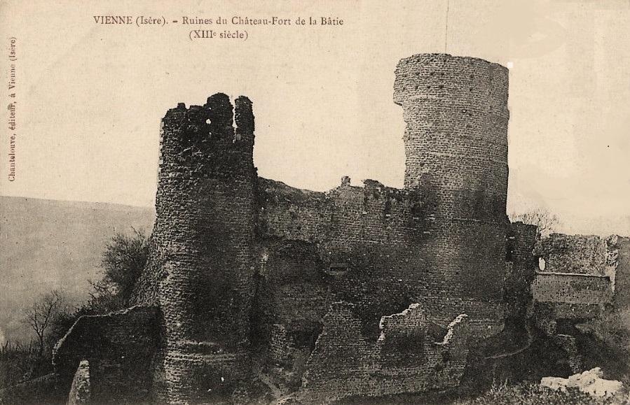 Vienne (Isère) Les ruines du château-fort de La Bâtie en 1905