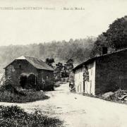 Vigneul-sous-Montmédy (Meuse) La rue du Moulin CPA